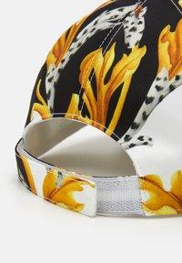 Versace - Casquette - bianco/nero/oro - 4