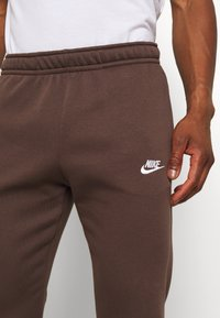 Nike Sportswear - CLUB - Tracksuit bottoms - baroque brown - 3