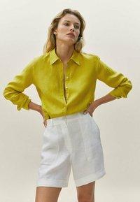 Massimo Dutti - Shorts - white - 0
