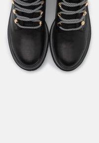 Shoe The Bear - FRANKA LACE - Botki sznurowane - black - 5