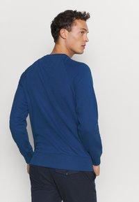 GANT - COLOR LOCK UP CNECK - Sweatshirt - crisp blue - 2
