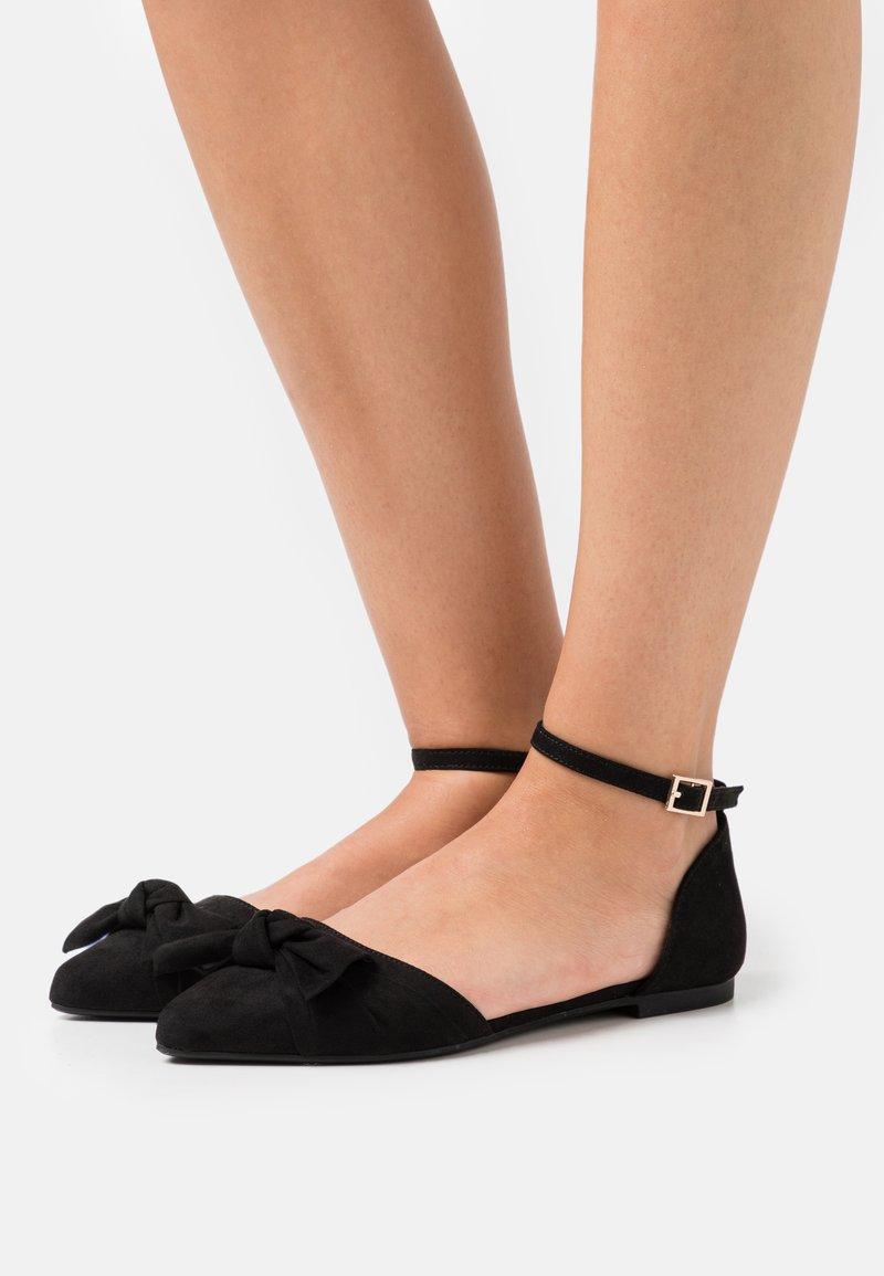 Anna Field Wide Fit - Ankle strap ballet pumps - black