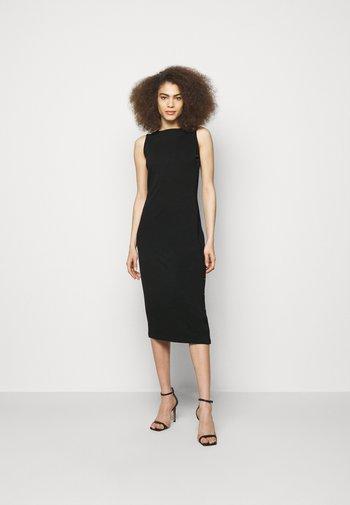 SNAP DRESS - Žerzejové šaty - black