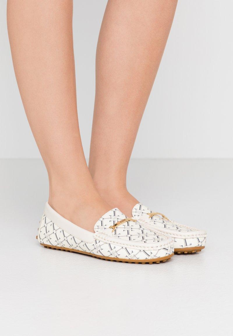 Lauren Ralph Lauren - BRIONY FLATS CASUAL - Mokasíny - vanilla heritage