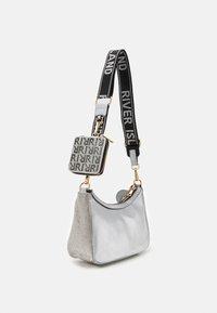 River Island - Across body bag - silver - 1
