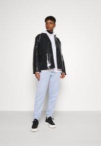Weekday - ZANA SHORT JACKET - Light jacket - black - 1