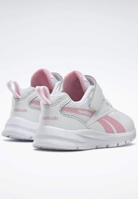 Reebok - REEBOK RUSH RUNNER 3 SHOES - Sneakersy niskie - white - 3