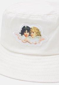 Fiorucci - ICON ANGELS BUCKET HAT UNISEX - Hat - white - 5