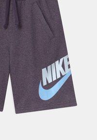 Nike Sportswear - CLUB - Shorts - dark raisin - 2