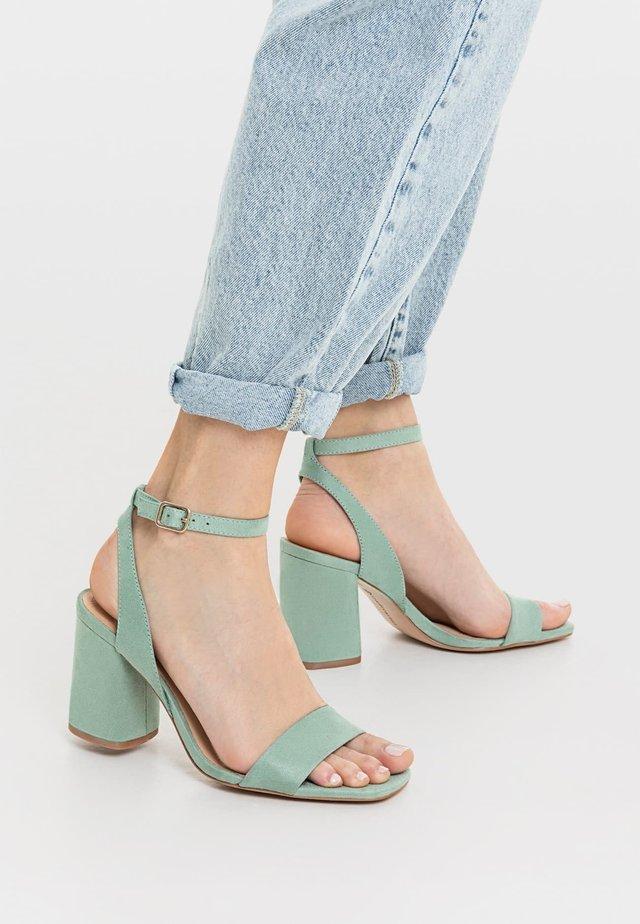 Sandales à talons hauts - green