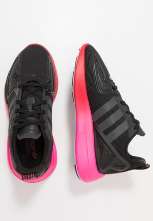 ZX FLUX - Zapatillas - core black/grey six/shock pink