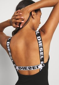 Diesel - UFBY-HOLLIX - Body - black - 3