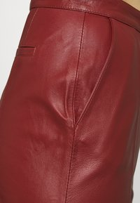DAY Birger et Mikkelsen - PIGEON - Leather trousers - tulip - 5
