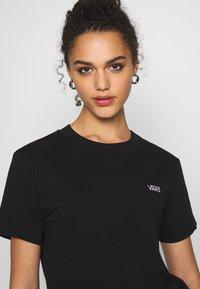 Vans - BOXY - T-shirt basic - black - 3