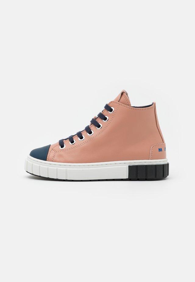 Sneakers hoog - light pink
