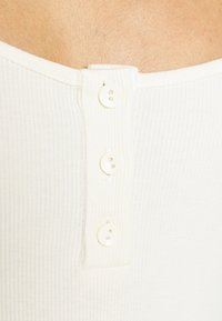 Nly by Nelly - BUTTON UP BODYSUIT - T-shirt à manches longues - offwhite - 5
