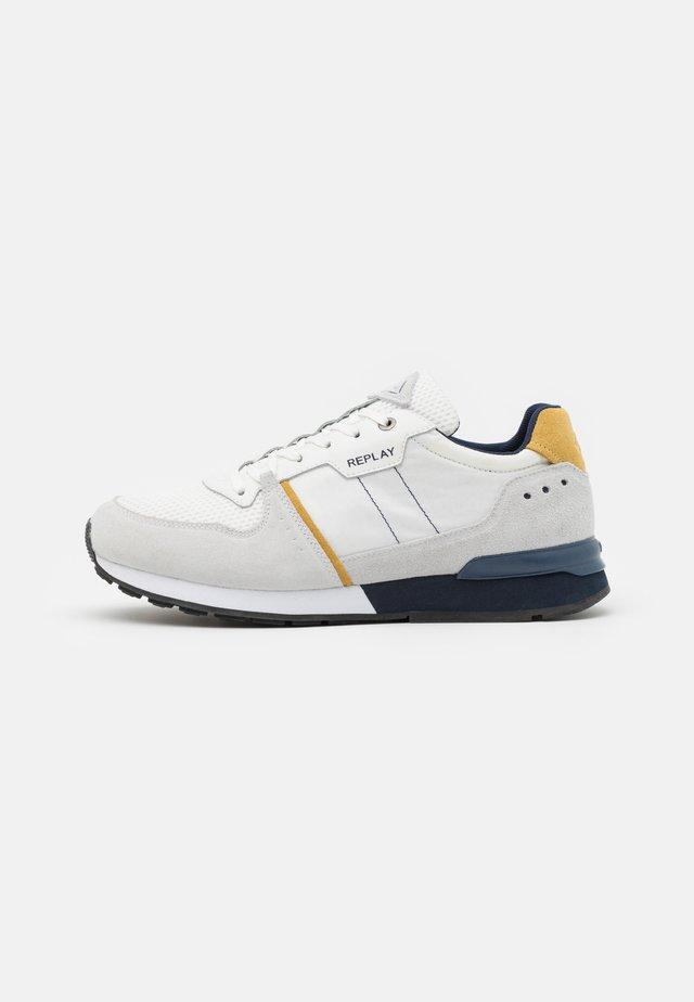 CLASSIC STATUS - Sneakers laag - white/navy/ocra