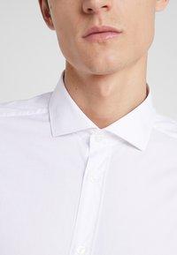 CC COLLECTION CORNELIANI - LONG SLEEVED SHIRT - Zakelijk overhemd - white - 4
