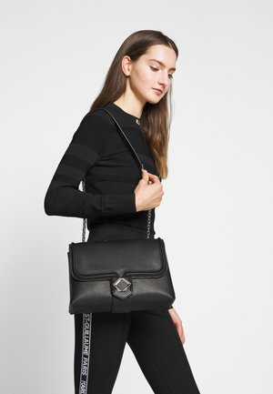 MISS MEDIUM SHOULDERBAG - Sac bandoulière - black
