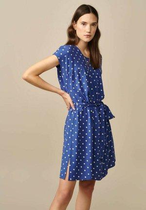 Day dress - blau mit weißen punkten