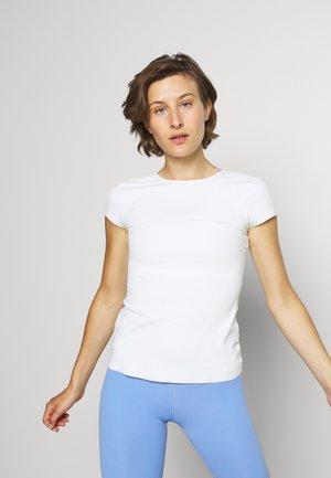 THE YOGA LUXE - T-shirt basic - sail/white