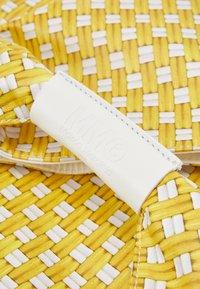 MM6 Maison Margiela - BORSA MANO - Bolso shopping - yellow - 6