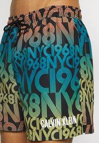 Calvin Klein Swimwear - MEDIUM DRAWSTRING PRINT - Swimming shorts - black - 3