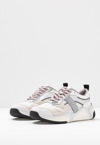 Blauer - Sneakers - white/silver - 4