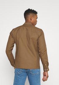 Redefined Rebel - RRANTON  - Shirt - inca gold - 2