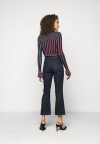 J Brand - FRANKY HIGH RISE CROP BOOT - Bootcut jeans - concept - 2