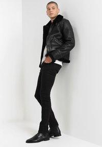 Serge Pariente - KENNEDI SHEARLING - Veste en cuir - black - 1