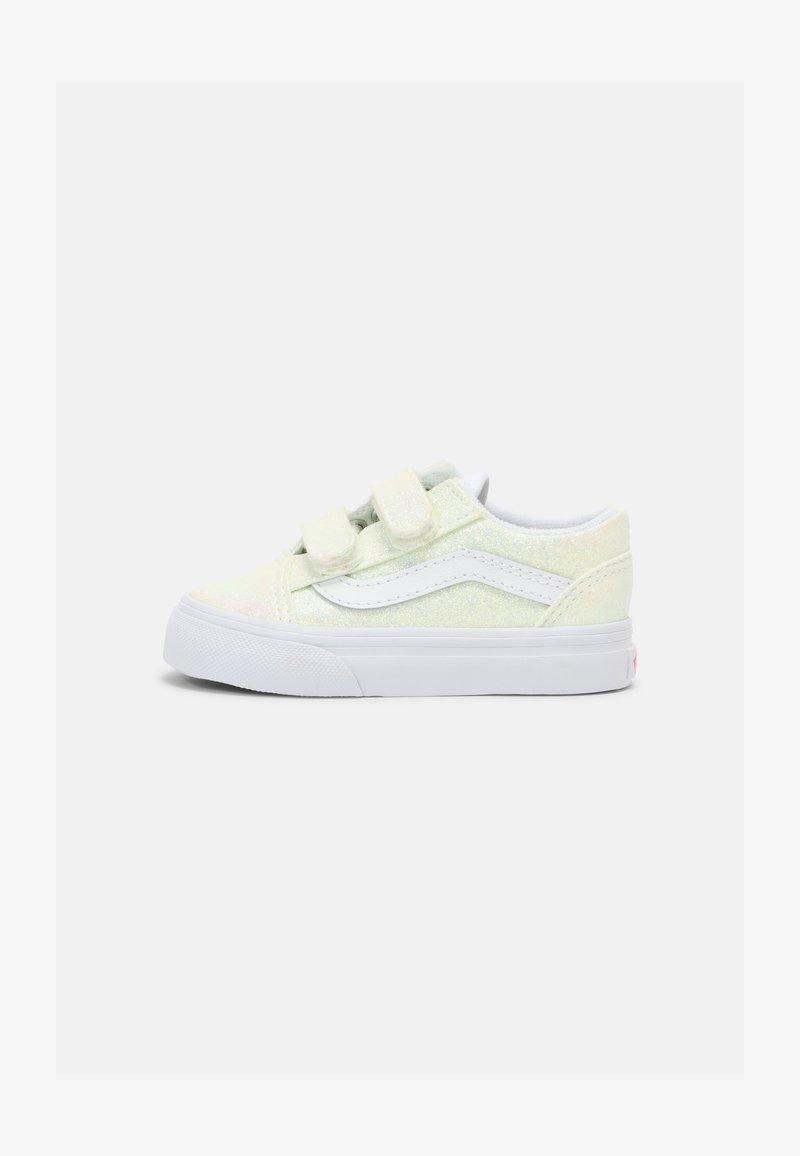 Vans - OLD SKOOL V - Sneakers laag - pink/true white