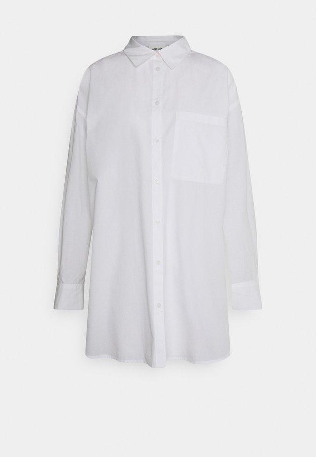 Košile - white light