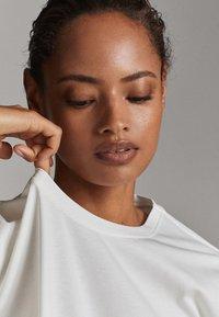 Massimo Dutti - T-shirt basique - white - 6