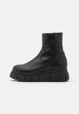 BOOT - Botki na platformie - black