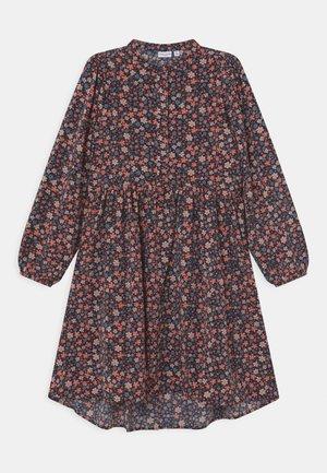 NKFVINAYA LONG DRESS - Shirt dress - coral blush