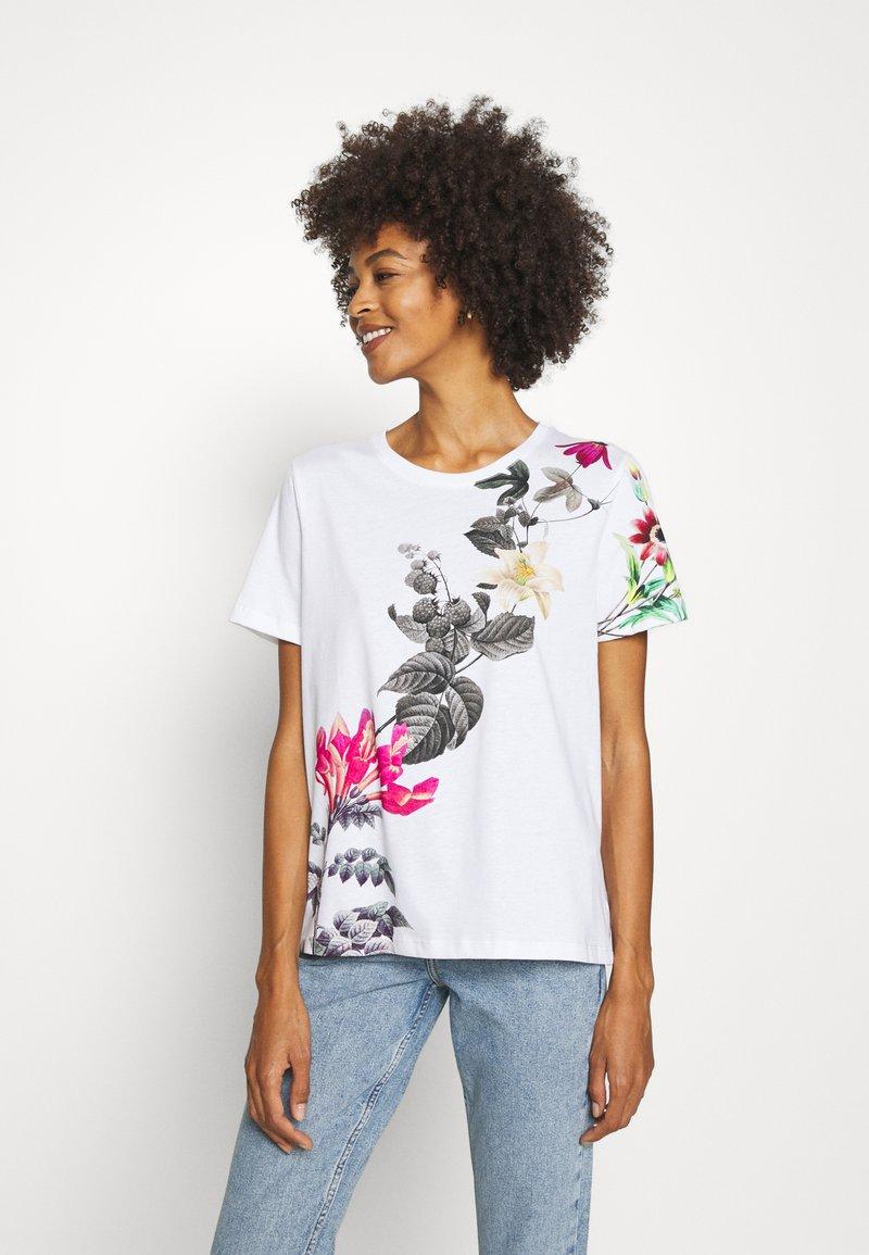 Desigual - YAIZA - Print T-shirt - blanco