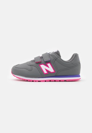 YV500RGP UNISEX - Trainers - grey/pink