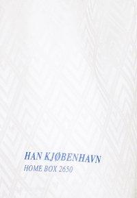 Han Kjøbenhavn - FOOTBALL - Shorts - off white - 2