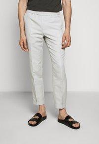 Filippa K - TERRY CROPPED SLACKS - Kalhoty - grey - 0