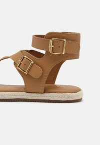 YAS - YASRAFFA - T-bar sandals - biscuit - 5