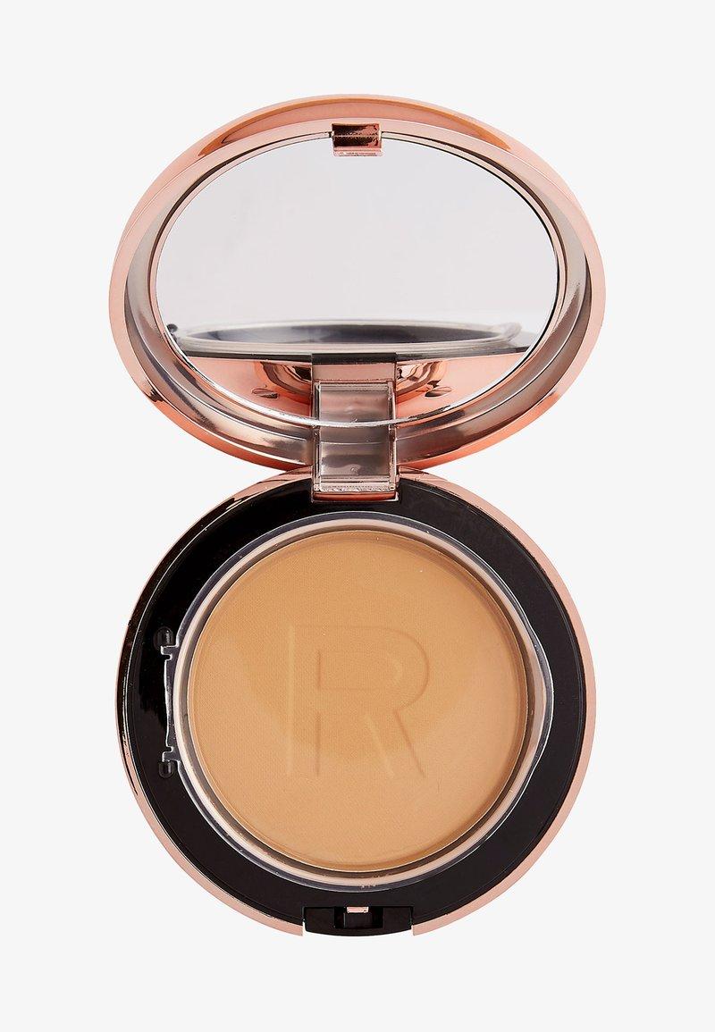 Makeup Revolution - CONCEAL & DEFINE POWDER FOUNDATION - Foundation - p10