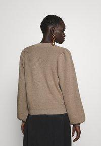 Bruuns Bazaar - ANEMONE MIRE CARDIGAN - Cardigan - roasted grey - 0