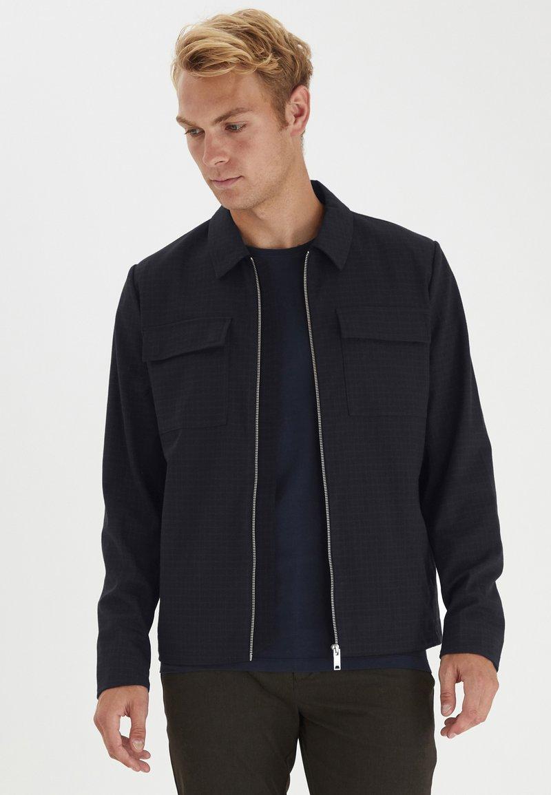 Casual Friday - BOBBY WITH ZIPPER - Light jacket - navy blazer
