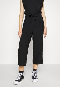 Vero Moda - VMEMILY CULOTTE PANT - Trousers - black - 0