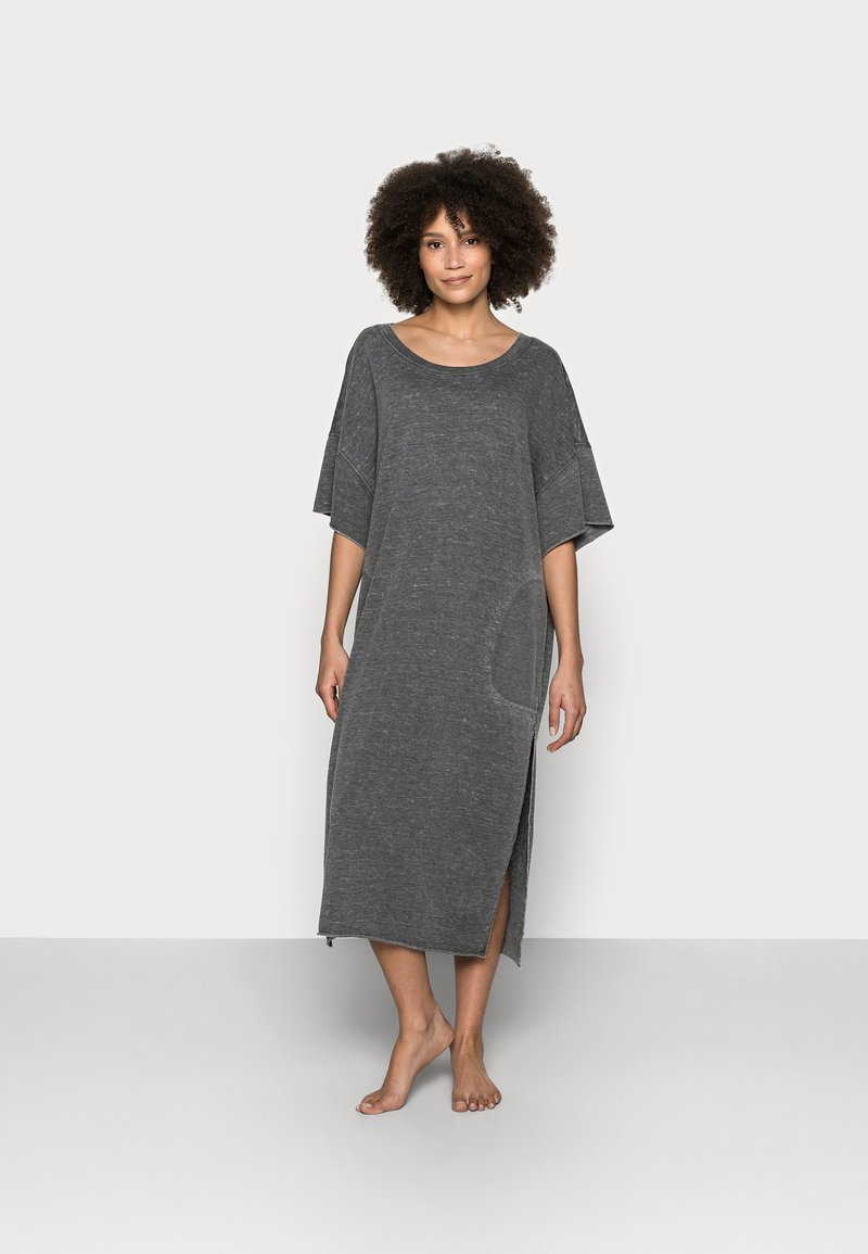 Free People - COZY ALL DAY HAREM - Nightie - washed black