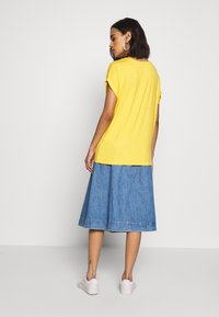ONLY - ONLMOSTER ONECK - T-shirt basic - yolk yellow - 2