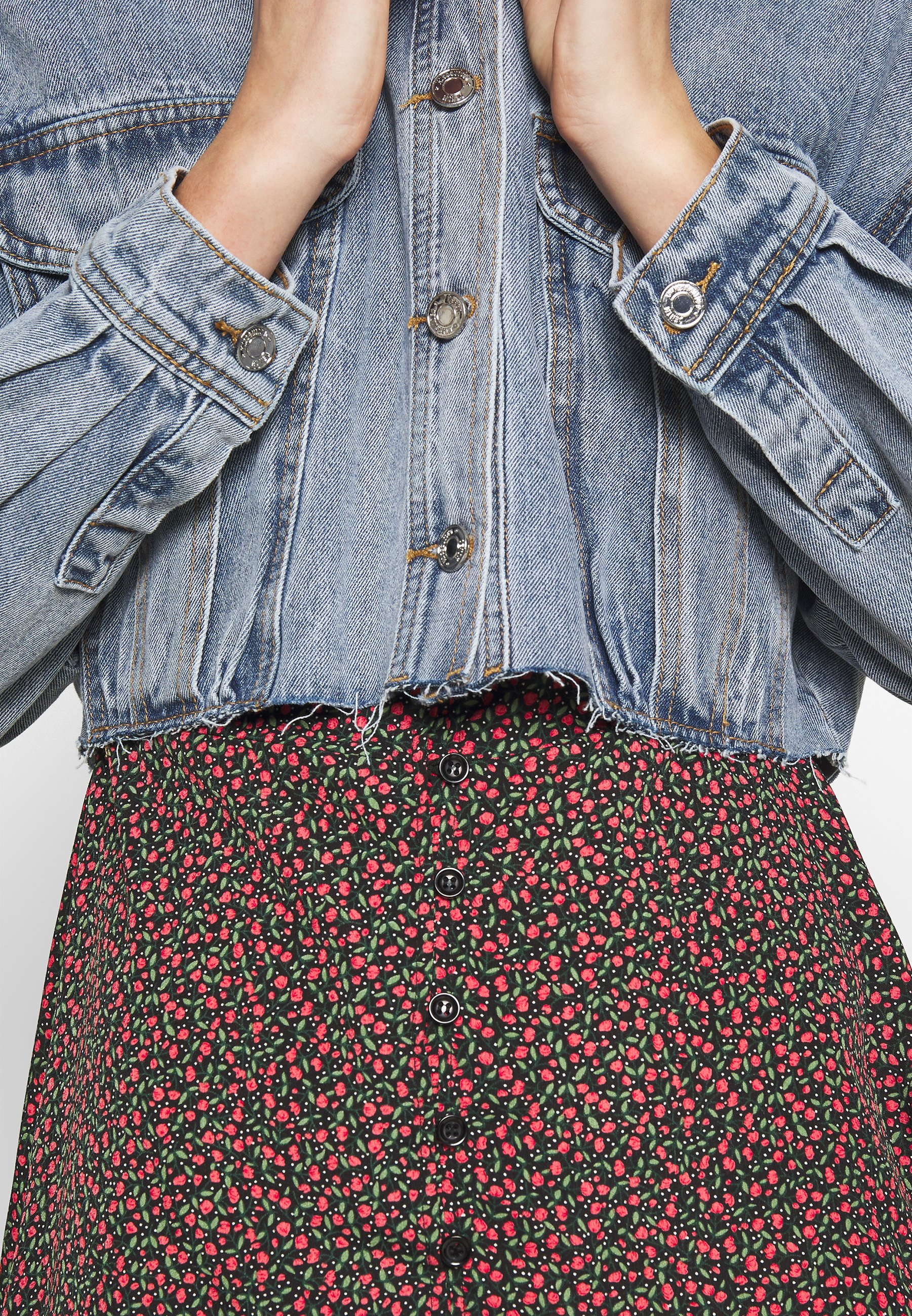 Women CROPPED RAW JACKET  - Denim jacket