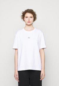 Holzweiler - HANGER TEE - Basic T-shirt - white - 3