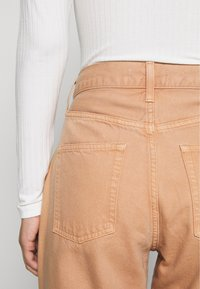 Ética - ALEX ANKLE - Jeans Tapered Fit - coffee - 3